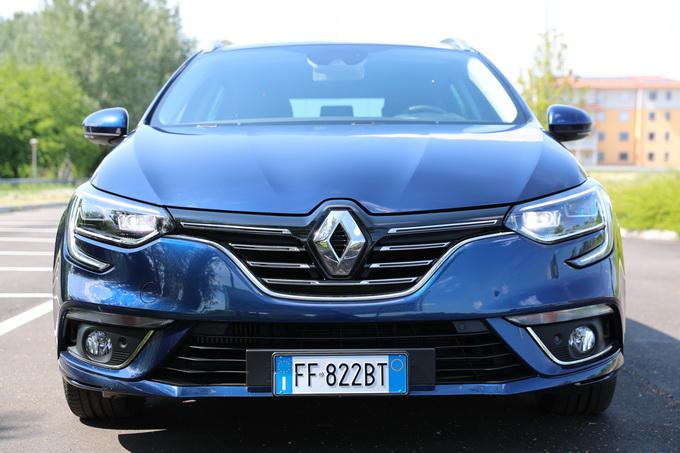 Renault Mègane Sporter, la station attenta al design [VIDEO PROVA SU STRADA]