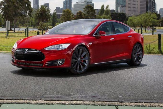 Tesla Model S, nuovo record di percorrenza: 1.078 chilometri senza ricaricare