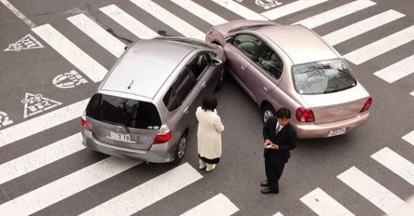 Incidente auto e concorso di colpa: cosa succede se la colpa è di entrambi i conducenti?