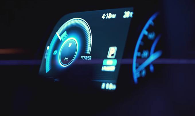 Nissan Leaf: nuova clip della seconda generazione [TEASER]