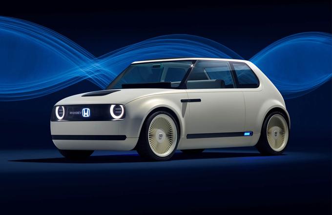 Honda Urban EV Concept al Salone di Francoforte: prototipo tecnologico dal design retrò [FOTO]