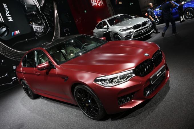 Nuova BMW M5: l'ammiraglia sportiva di Monaco approda al Salone di Francoforte 2017 [FOTO e VIDEO LIVE]