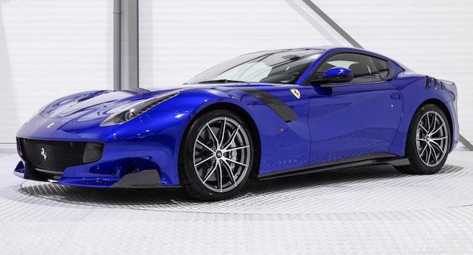 Ferrari F12 tdf: un diamante blu elettrico da 800mila euro