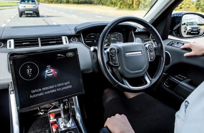 Jaguar Land Rover a lavoro su una tecnologia predittiva delle condizioni meteo