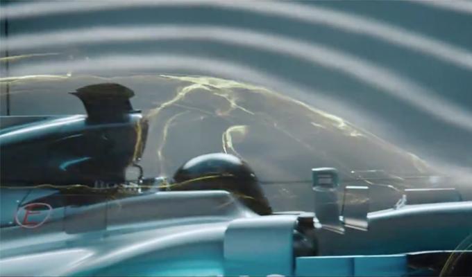 Mercedes-AMG Project One: un nuovo accenno in vista del debutto [VIDEO]