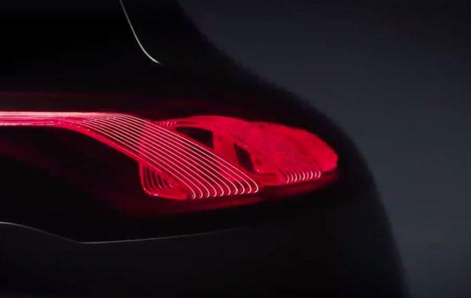 Mercedes EQ A Concept: la risposta della Stella alla Tesla Model 3 [VIDEO TEASER]