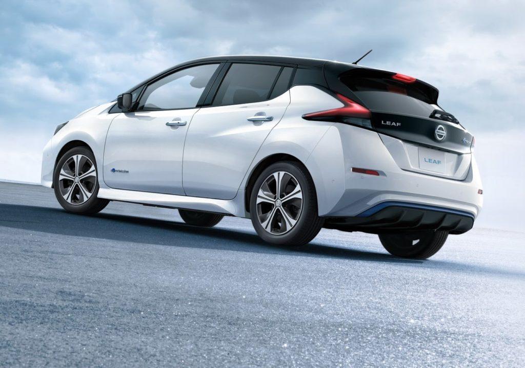 Nissan Leaf, la elettrica più venduta al mondo punta alla guida autonoma