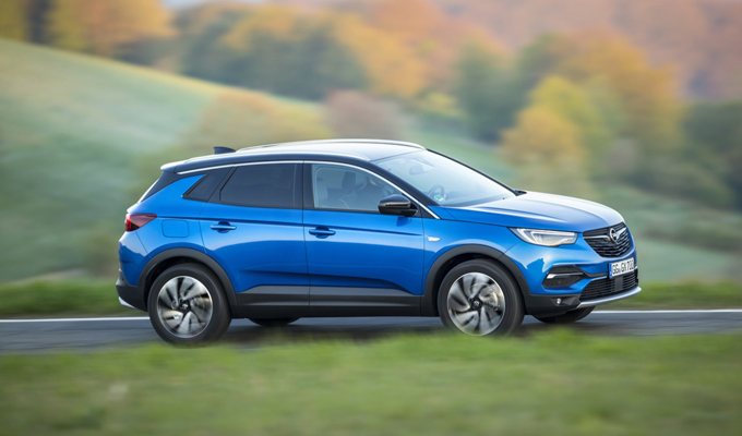 Opel Grandland X: ritmo fluido e tecnologia associata alla versatilità [VIDEO TEST DRIVE]