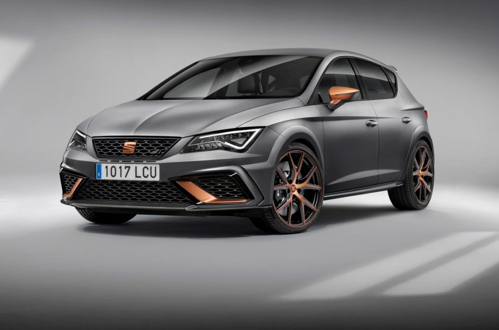 seat leon cupra r unione di potenza ed esclusivit al salone di francoforte foto. Black Bedroom Furniture Sets. Home Design Ideas
