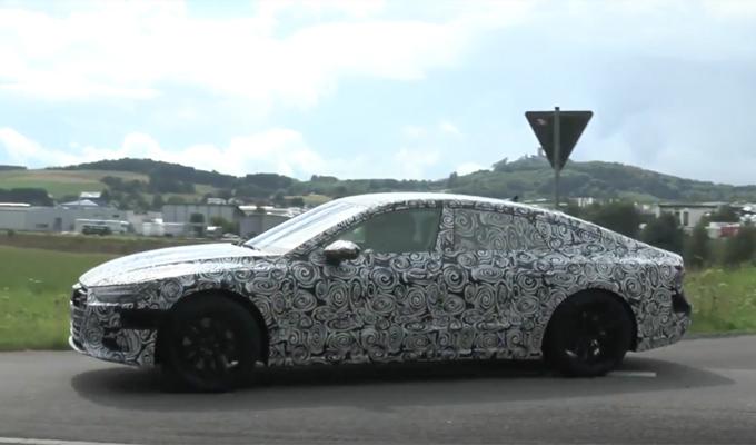 Audi A7 Sportback 2018: nuove immagini di alcuni esemplari di prova in vista del debutto [VIDEO SPIA]