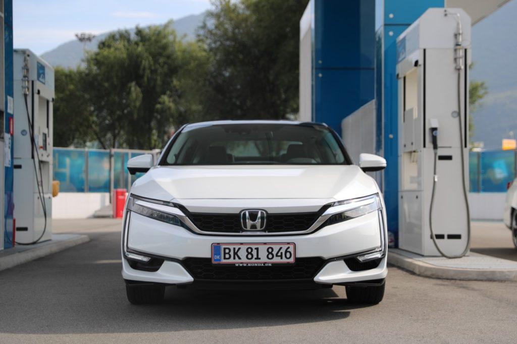 Honda Clarity Fuel Cell: l'idrogeno sarà il carburante del futuro? [TEST DRIVE]