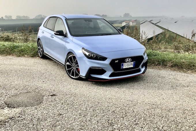 Hyundai i30 N, divertimento da veri manuali  [VIDEO TEST DRIVE]