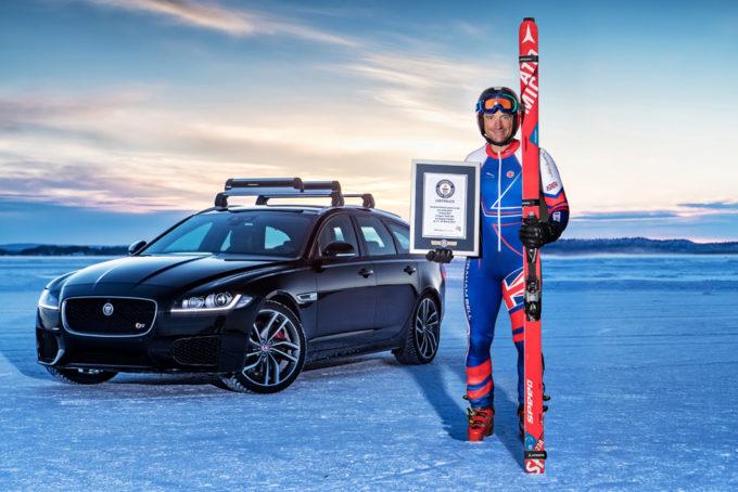 Jaguar XF Sportbrake: impresa da record mondiale sul ghiaccio [VIDEO]