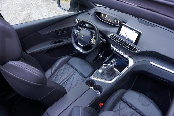 Peugeot 3008, la tecnologia a bordo regna sovrana