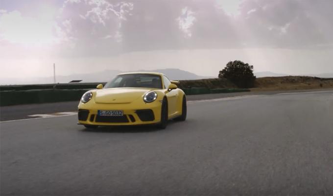 Nuova Porsche 911 GT3: la potenza della guida spiegata da Walter Röhrl [VIDEO]