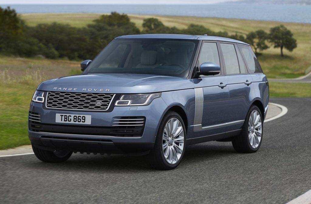 Nuova Range Rover, il lusso si fa silenzioso col debutto dell'ibrido plug-in [FOTO e VIDEO]