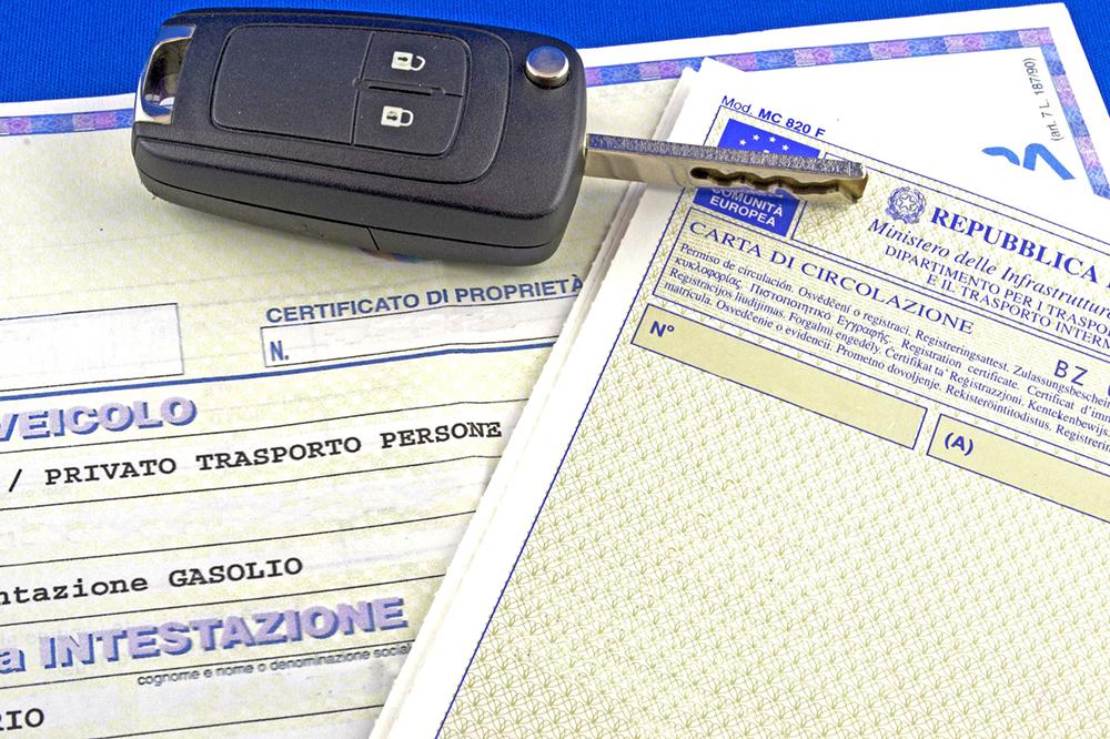 Auto Usate: come autenticare la firma di chi vende l'auto