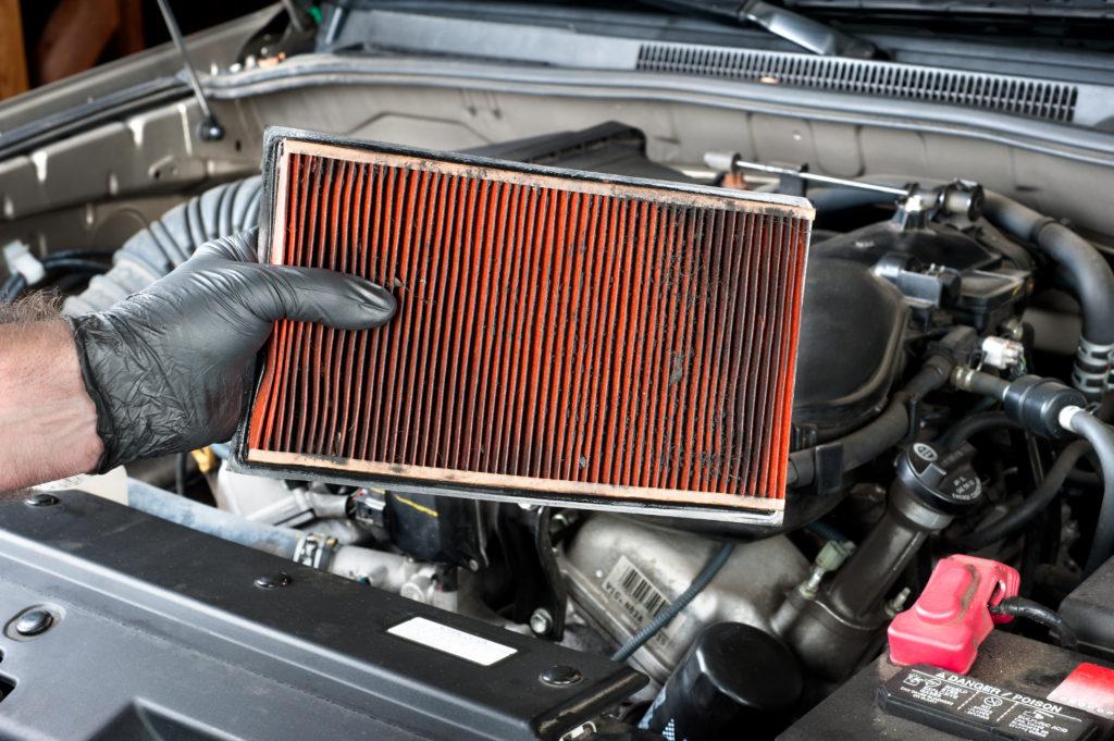 Filtro aria motore: come pulirlo