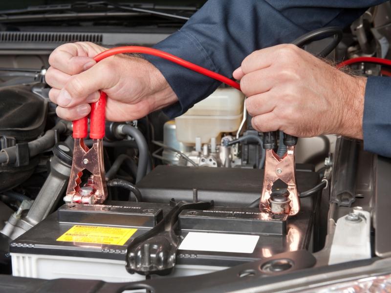 ripartire auto batteria