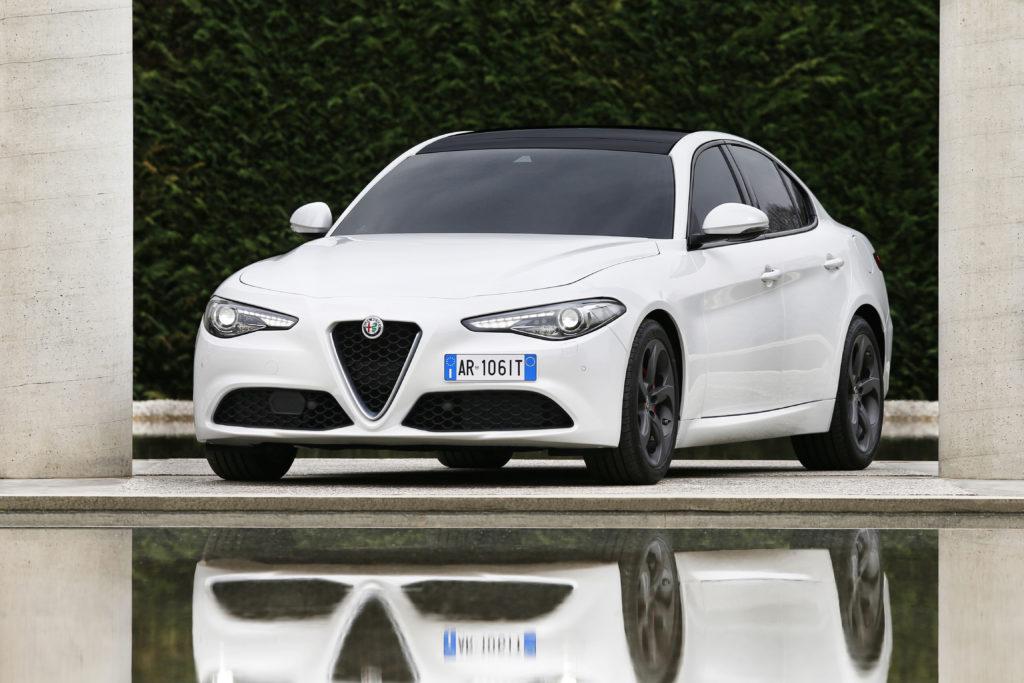 """Alfa Romeo Giulia: è suo il premio """"Auto dell'Anno 2018"""" in Nord America"""