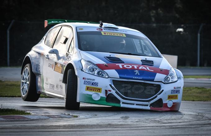 Peugeot al Monza Rally Show con due 208 T16 R5