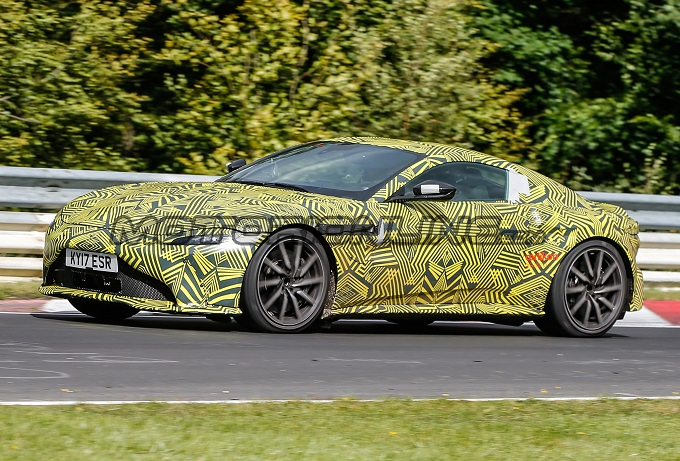 Aston Martin Vantage MY 2018 filmata in pista [VIDEO SPIA]