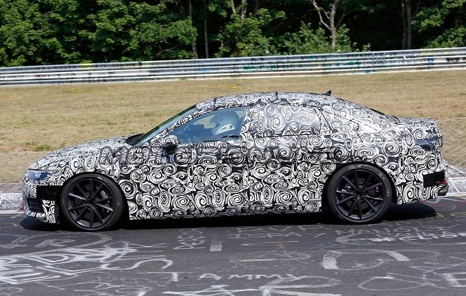 Nuova Audi S6 filmata in pista [VIDEO SPIA]