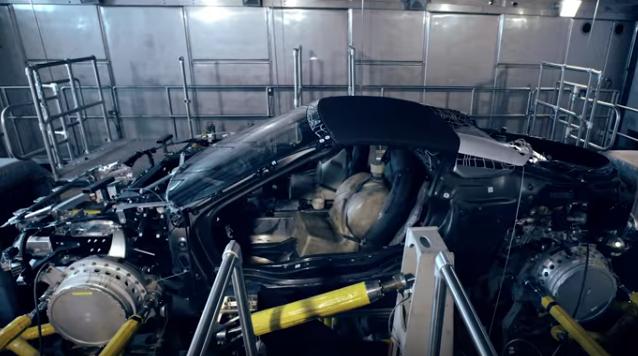 BMW i8 Roadster, nuovo filmato della super spider ibrida
