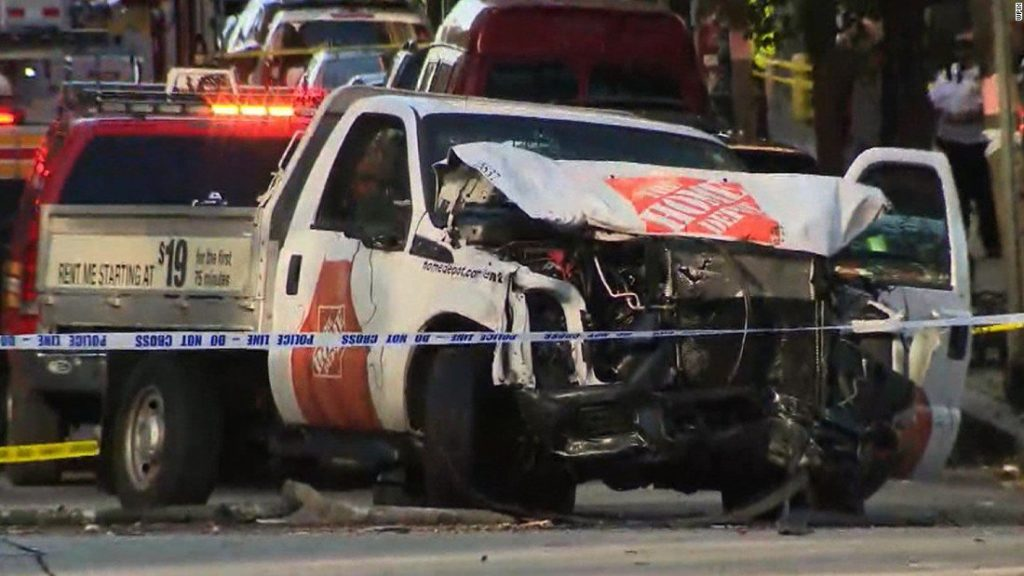 Attentato a New York per mano dell'Isis: 8 morti ed 11 feriti