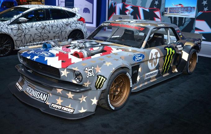 Hoonicorn V2: la drift car da 1.400 CV di Ken Block al SEMA Show