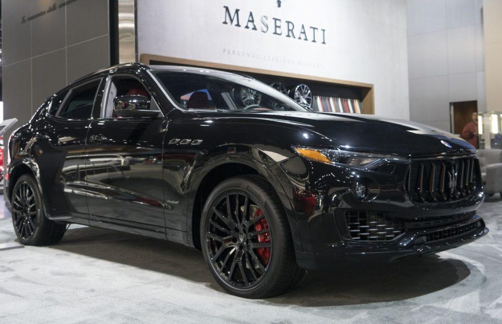 Salone di Los Angeles: Maserati presenta il pacchetto Nerissimo per Levante e Quattroporte [FOTO]