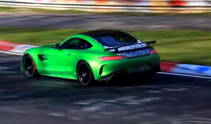 Mercedes-AMG GT R Black Series: prototipo filmato al Nurburgring [VIDEO SPIA]