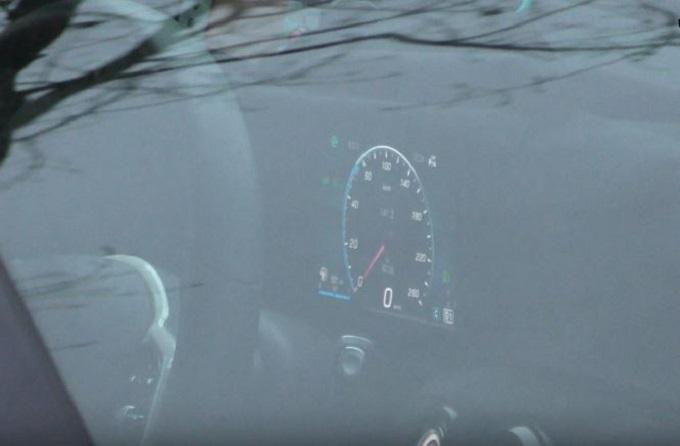 Nuova Mercedes Classe A: spiato il nuovo quadro strumenti digitale [VIDEO SPIA]