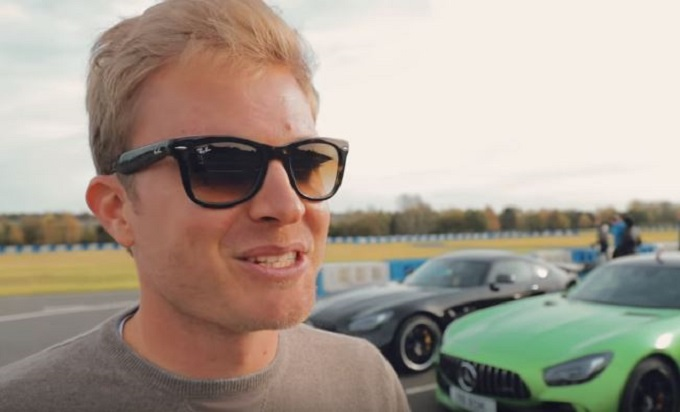 Nico Rosberg alla guida della Mercedes-AMG GT R per la prima volta [VIDEO]