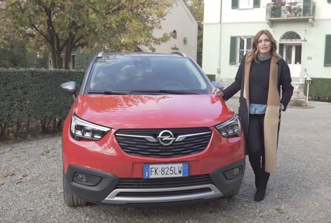 Opel Crossland X alleata di Chiara Maci nella ricerca degli ingredienti migliori [VIDEO]