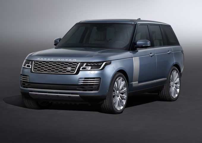 Range Rover SVAutobiography MY 2018: debutto al Salone di Los Angeles