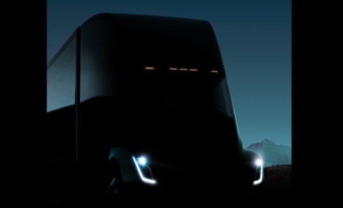 Tesla, nuova anticipazione del camion 100% elettrico [TEASER]