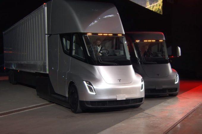 Tesla Semi Truck Ecco Il Camion Elettrico Con 800 Km D