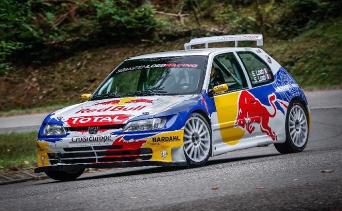 Sèbastien Loeb in azione sulla Peugeot 306 Maxi [VIDEO]