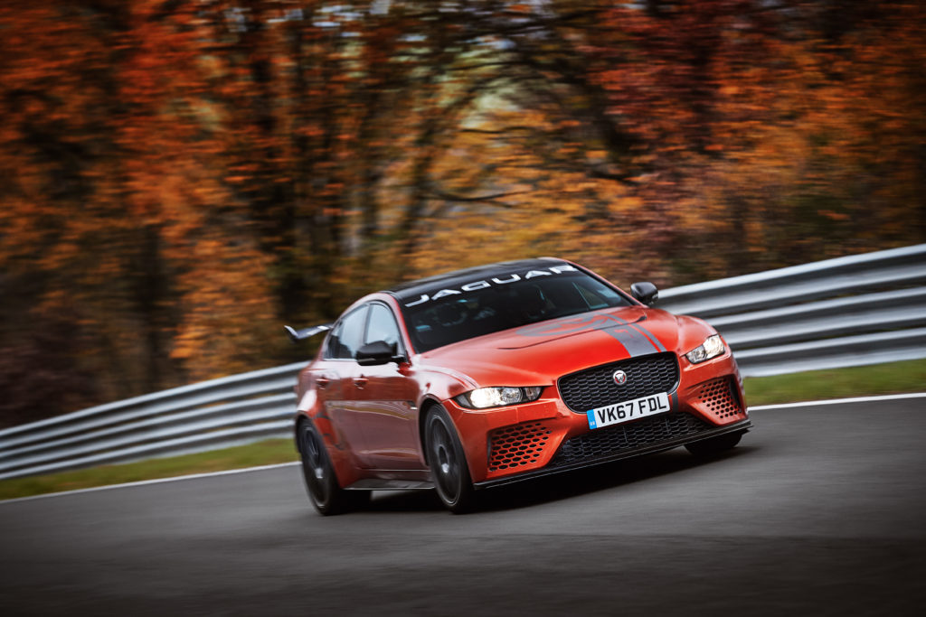 "Jaguar XE SV Project 8: giro record al Nurburgring in 7'21"" [VIDEO]"