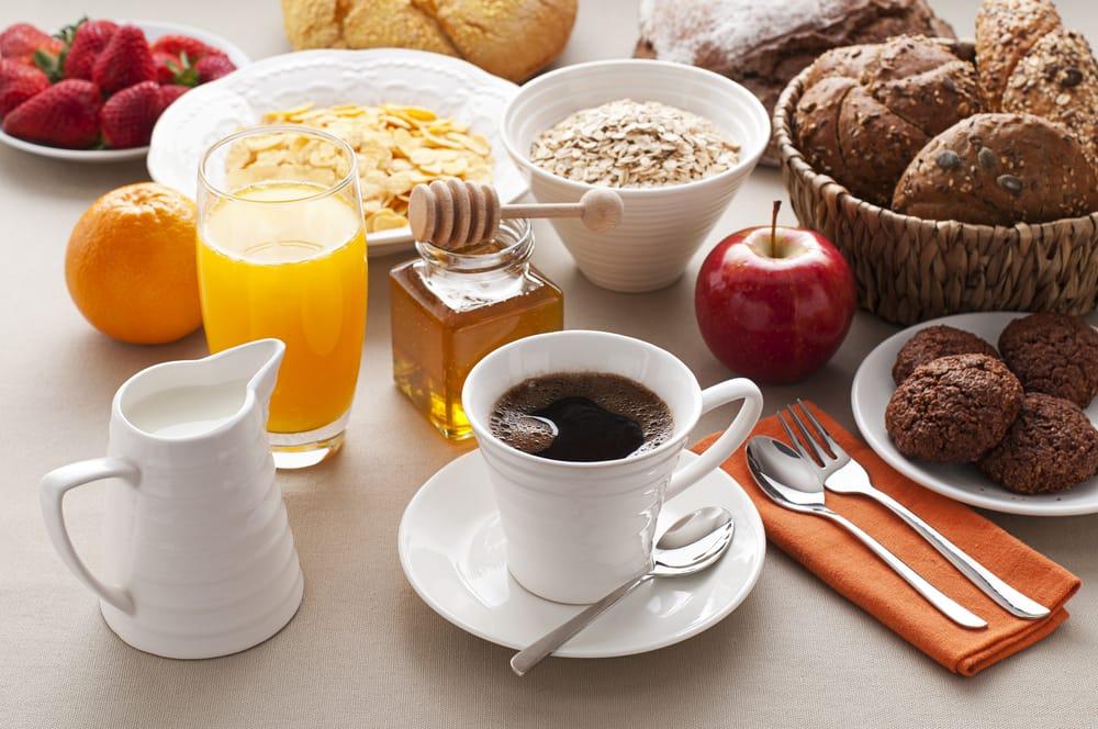 Viaggi in auto: la colazione prima di mettersi alla guida