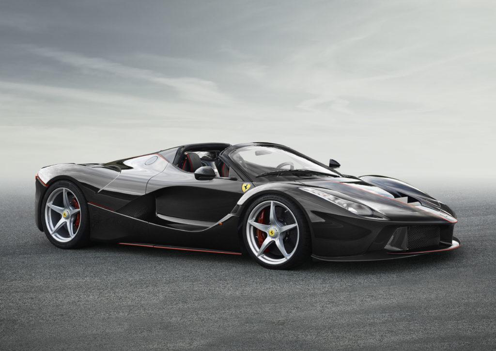 """Ferrari: LaFerrari Aperta è la """"Supercar dell'anno"""""""