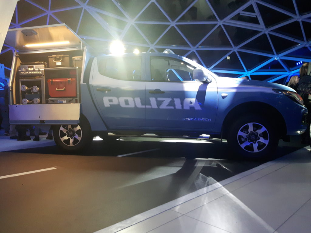 Fiat Fullback: la Polizia Scientifica riceve il primo esemplare [FOTO e VIDEO]