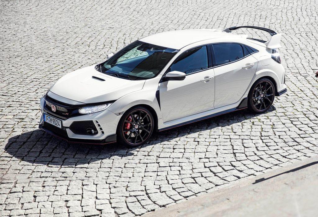Honda Civic Type R MY 2018: sintesi armonica di sportività e controllo [VIDEO]