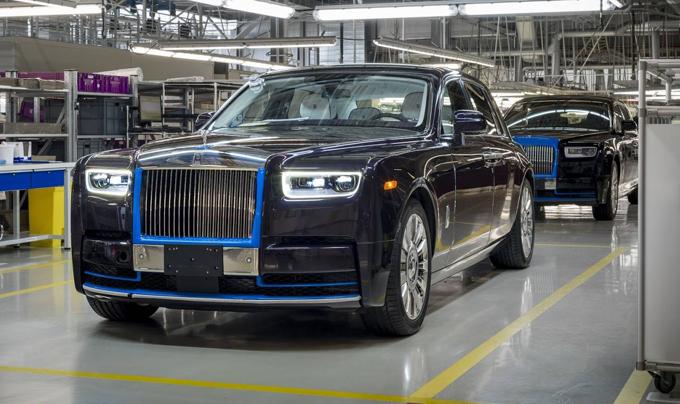 Rolls-Royce Phantom MY 2018: il primo esemplare andrà all'asta