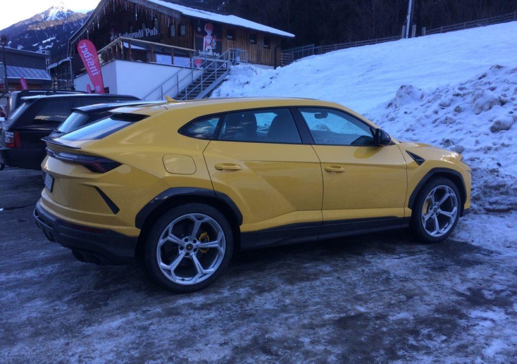 Lamborghini Urus: il Super Suv immortalato sulle nevi austriache