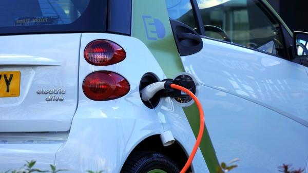 Veicoli elettrici, a Monza arrivano 34 colonnine per la ricarica