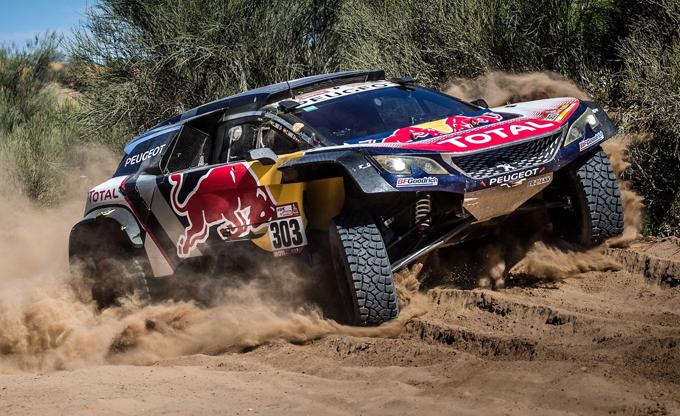 Dakar, Peugeot e Carlos Sainz si aggiudicano l'edizione 2018
