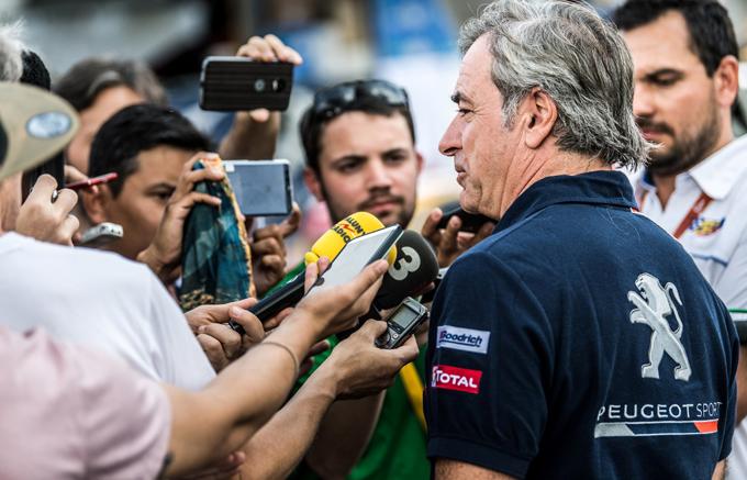 Dakar, Peugeot: contestata la penalità inflitta a Sainz