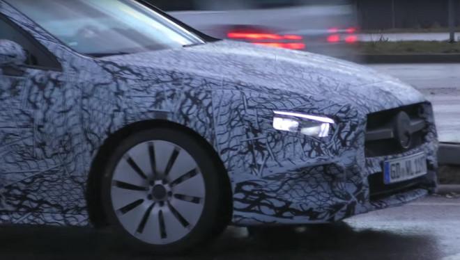 Mercedes A35, avvistato il muletto della nuova baby AMG [VIDEO]